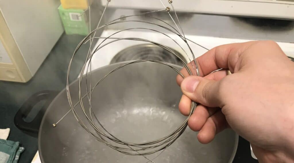 Drop Them In - Does Boiling Guitar Strings Really Work?